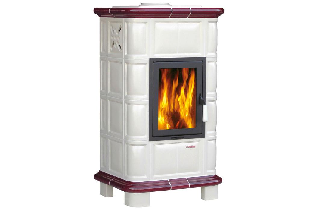 Brunico, wood stove - La Fuente